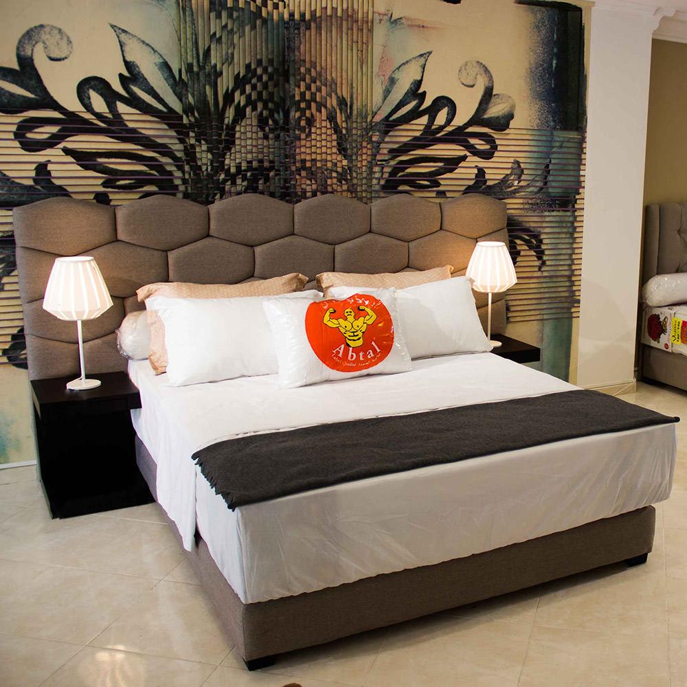 dormir par terre sur un matelas lit dappoint pliant x. Black Bedroom Furniture Sets. Home Design Ideas